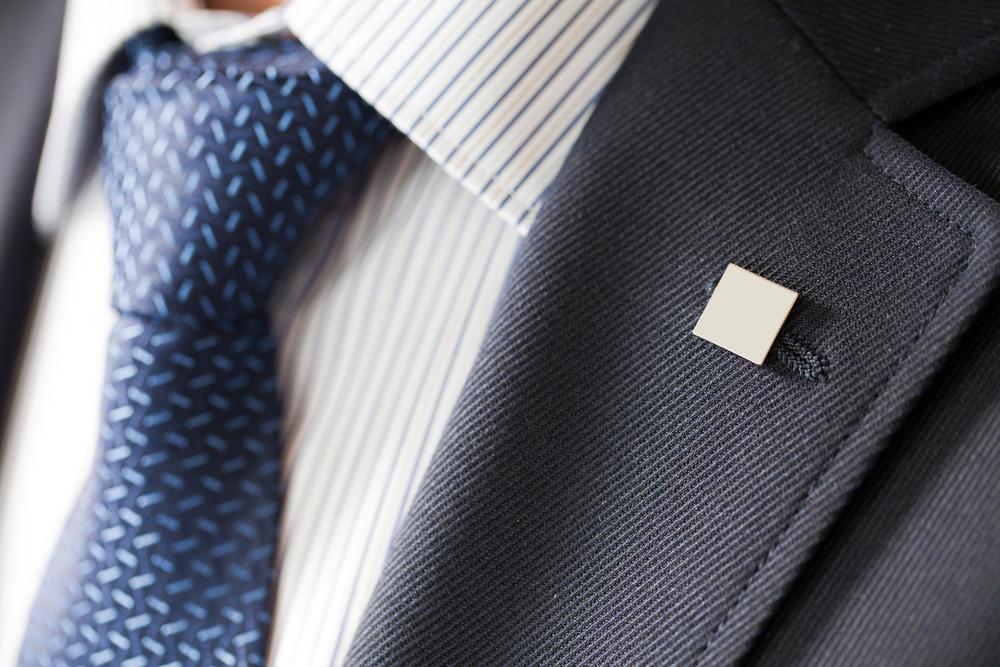 חליפות למידות גדולות בפתח תקוה (Shutterstock) צילום: sergpilipenka