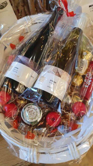 מתנות לאירועים וימי הולדת. באדיבות יין בעיר