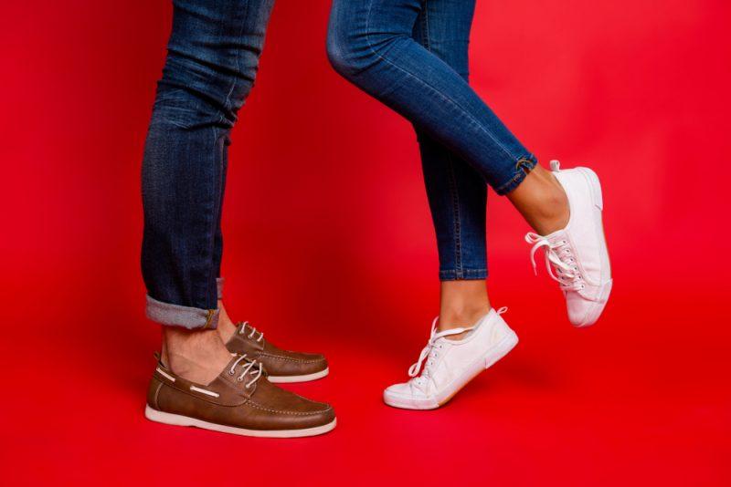 נעליים במידות גדולות לגברים. תמונה ממאגר שאטרסטוק. By Roman Samborskyi