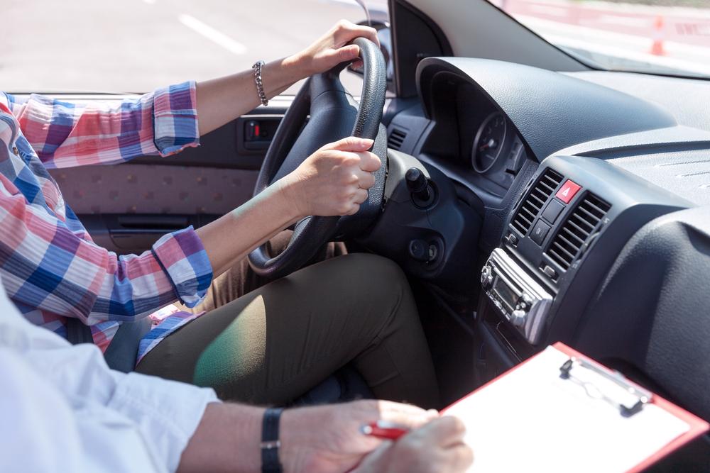 בית ספר לנהיגה בפתח תקוה. (Shutterstock) צילום:wellphoto