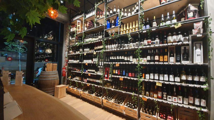 """מבחר יינות לאניני טעם. צילום באדיבות """"יין בעיר"""""""