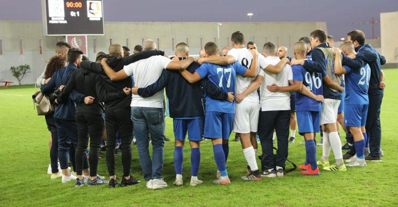 שחקני קבוצת הנוער של מכבי. צילום: עזרא לוי