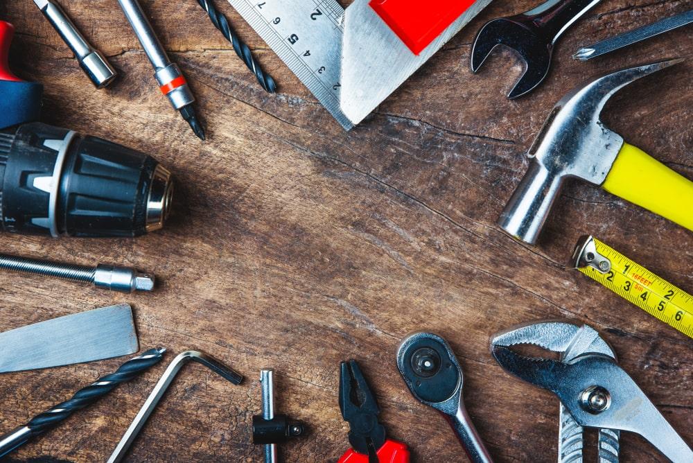 כלי עבודה מקצועיים בפתח תקווה (תמונה ממאגר shutterstock, צילום: ViblyPhoto)