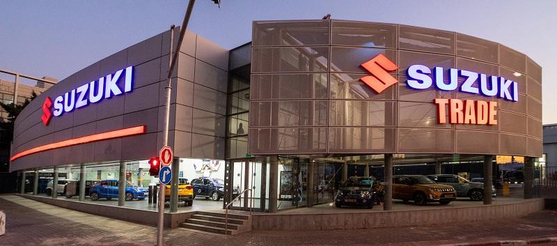 אולם התצוגה החדש של סוזוקי בפתח תקוה. בסוזוקי המרכיב המרכזי הוא האמינות. צילום: רונן טופלברג