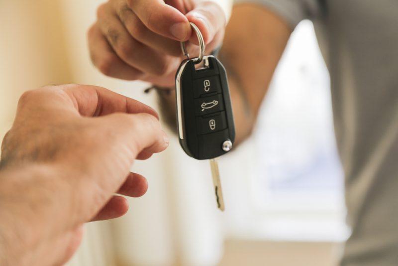 שכפול מפתח לרכב בפתח תקוה. Shutterstock By fatir29