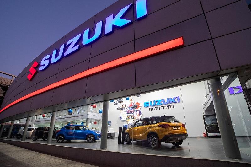 אולם התצוגה החדש של סוזוקי: כל שירותי הרכב במקום אחד. צילום: רונן טופלברג