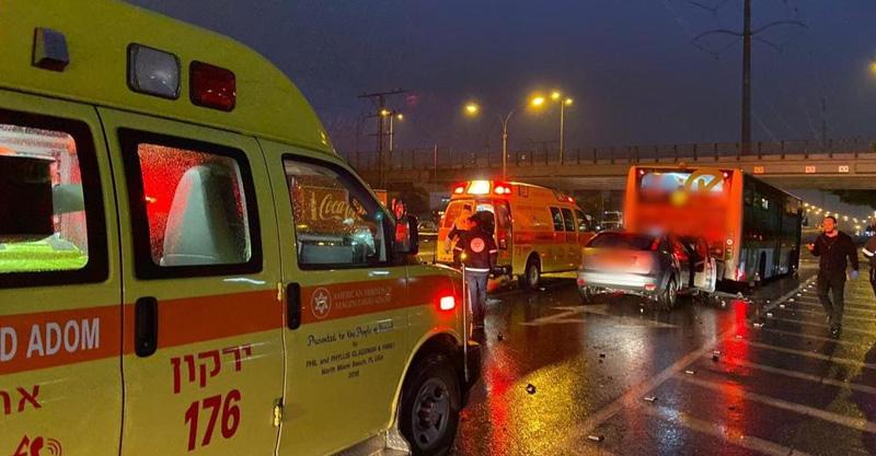 """זירת התאונה בסמוך למחלף גהה ציליום תיעוד מבצעי מד""""א"""