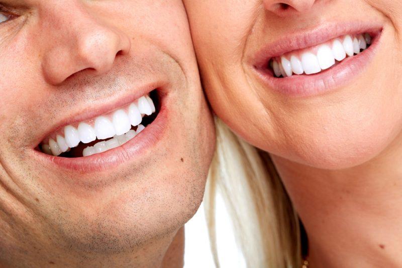 הלבנת שיניים בפתח תקוה (צילום: By kurhan, shutterstock)