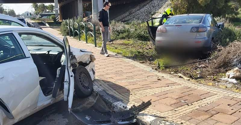 תאונה במחלף ירקון. צילום דוברות הצלה