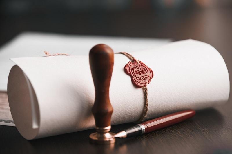 עורך דין לענייני צוואות וירושות בפתח תקוה. צילום: Burdun Iliya, Shutterstock