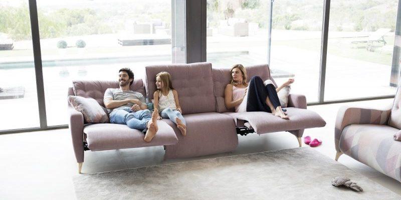 מערכות ישיבה במרכז (צילום: אתר חברת Fama)