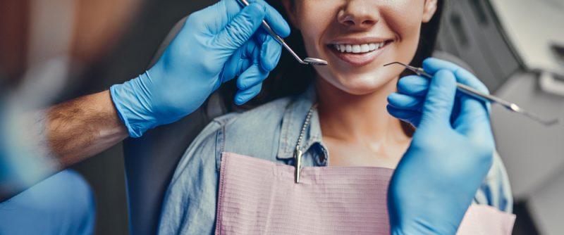 """מרפאת ד""""ר באנגייב (בן גיא): הבית שלכם לרפואת שיניים. צילום: 4 PM production, Shutterstock"""