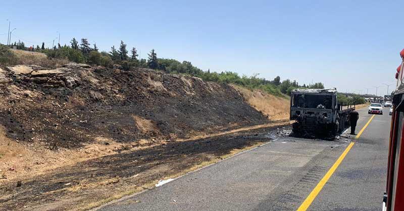 שריפה בכביש 6. צילום: תיעוד מבצעי כבאות והצלה