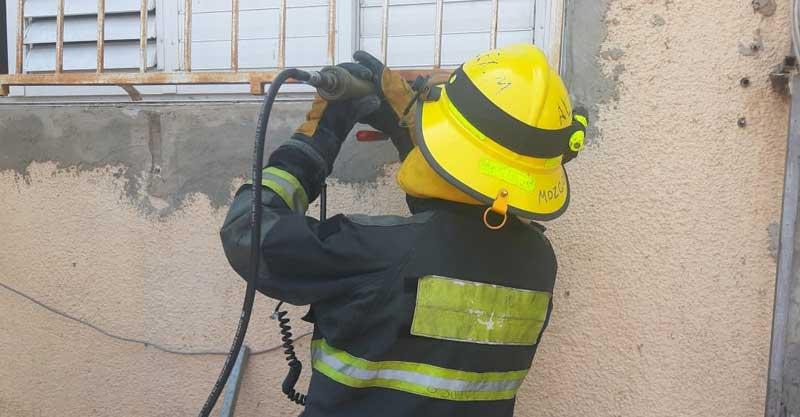 חילוץ משריפה. צילום: איחוד הצלה פתח תקווה