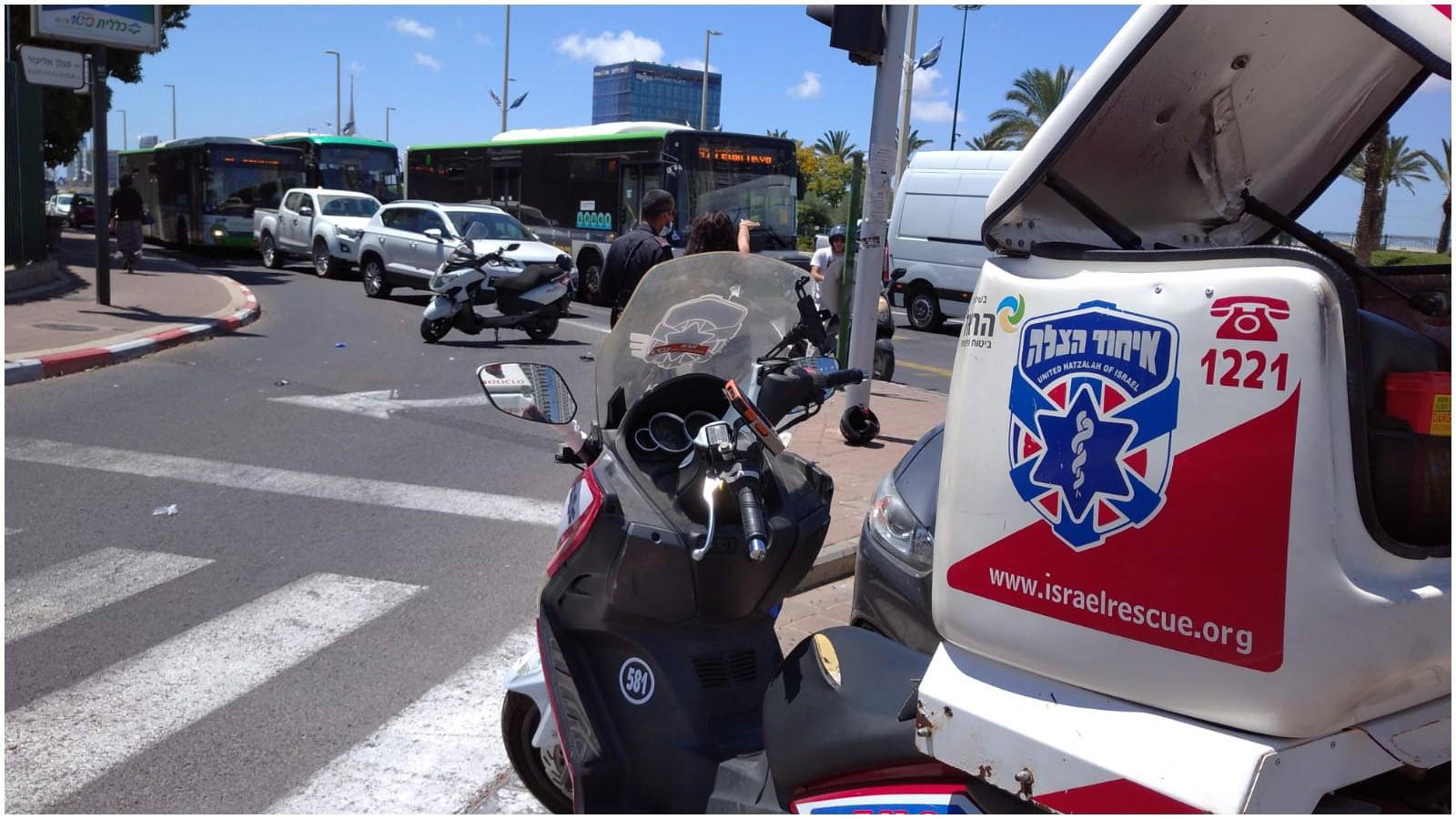 תאונת דרכים ברחוב ז'בוטינסקי פינת קפלן. צילום דוברות איחוד הצלה