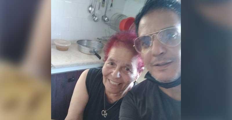 נתי לוי ואמו גליה לוי. צילום פרטי