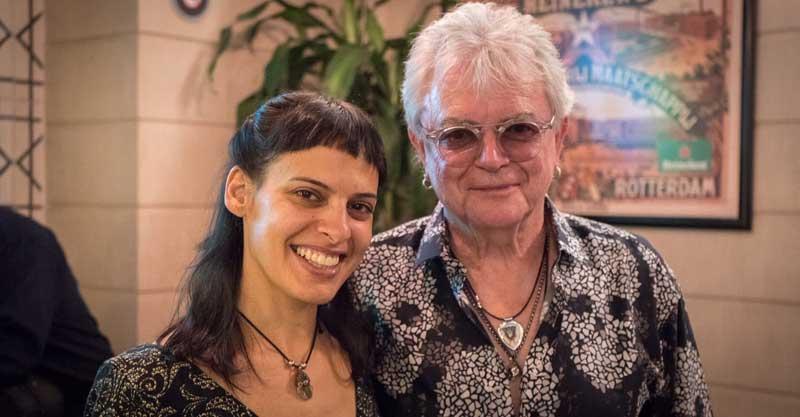 הילה בן טובים עם הזמר Russell Hitchcock ראסל היצ'קוק מלהקת אייר סופליי נובמבר 2019 ניו מקסיקו.