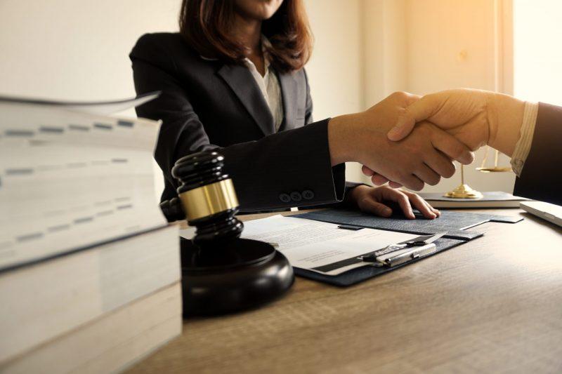 עורכי דין לענייני צוואות וירושות בפתח תקוה: שומרים על הזכויות שלכם. צילום: Shutterstock