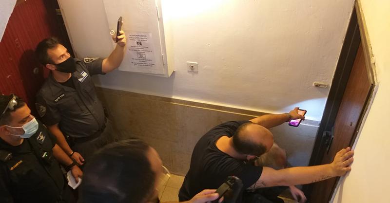 פעילות העירייה והמשטרה בדירות המפוצלות צילום דוברות העירייה
